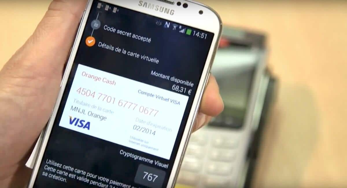 Smartphone affichant l'application Orange Cash