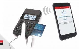 Mini terminal de la Société Générale communiquant avec un smartphone
