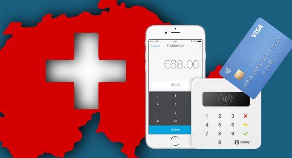 d5a3cc77ab2b5 Lecteur SumUp Air sur fond de carte de la Suisse