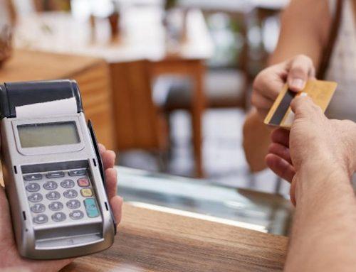 Faut-il fixer un montant minimum pour les paiements par carte en magasin?