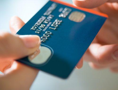 Comment nettoyer et désinfecter sa carte bancaire