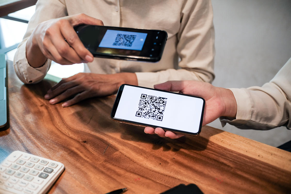 QR code avec deux smartphones