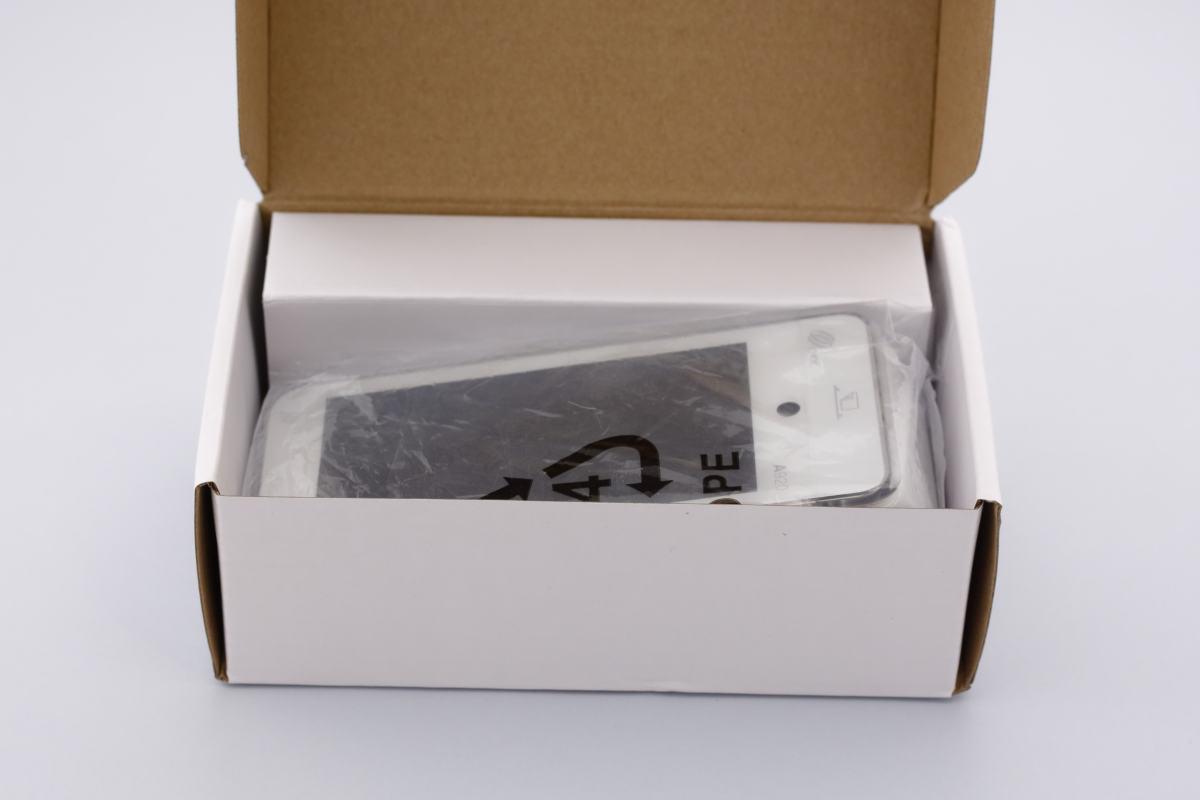 Déballage du PAX A920 boîte ouverte